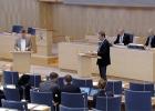 Isak From och Jens Holm debatterar, foto: Riksdagen.se