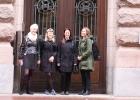 Cecilia Mille, Hanna Oskarsson, Bethania Malmberg och Linda Björklund utanför riksdagen