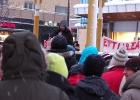 Linnea Harila Blomqvist talar för Djurens Rätt under manifestation i Luleå